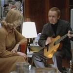 Гитара в ваших руках обязательно вызовит к вам симпатию окружающих, даже если вы далеко не блестящий гитарист. Вы душа комании.